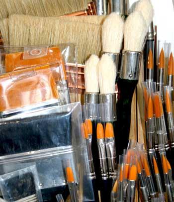 pinceles y paletinas para bellas artes