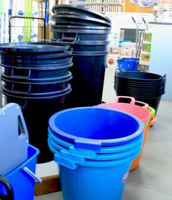 cubetas-de-comunidad-capazos-cubos-para-basura
