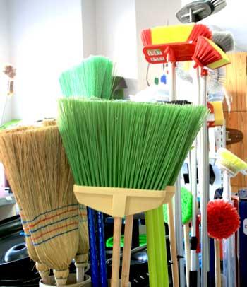 cepillos-de-barrendero-y-para-limpieza-del-coche